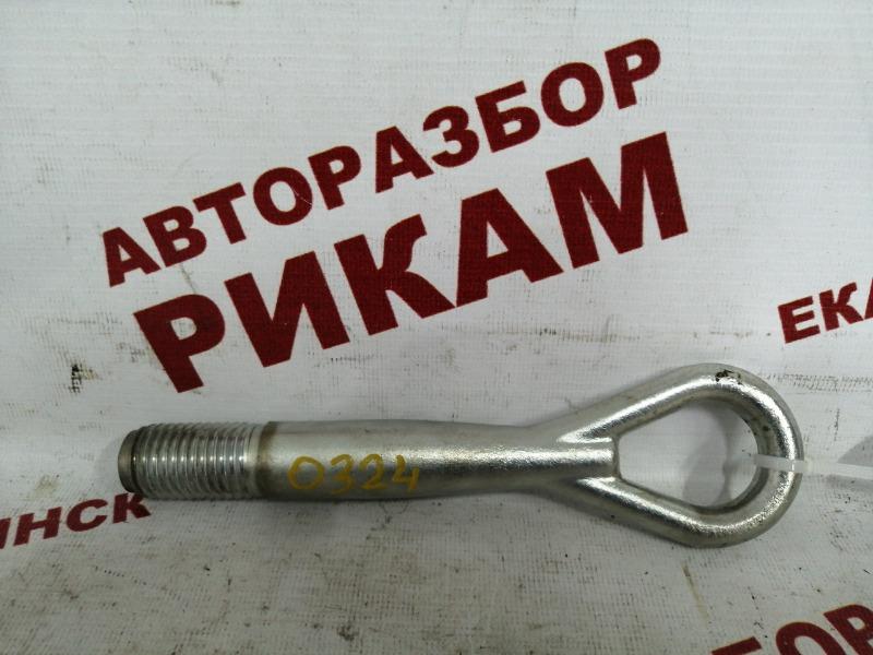 Буксировочный крюк Nissan Qashqai J10 MR20DE 2010