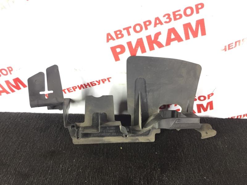 Дефлектор радиатора Volkswagen Jetta 1K2 BKD 2006 передний правый