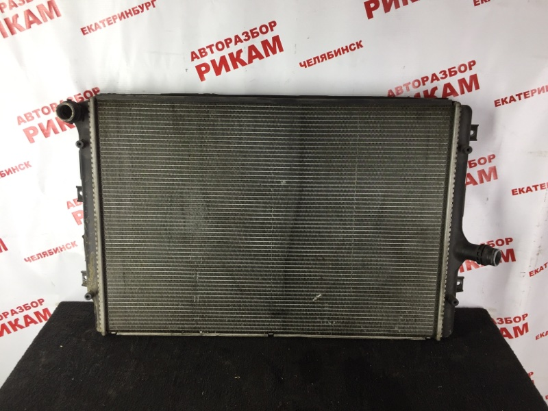 Радиатор охлаждения Volkswagen Jetta 1K2 BKD 2006