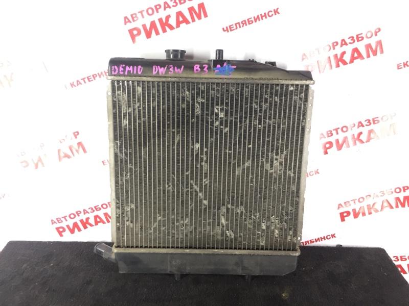 Радиатор охлаждения Mazda Demio DW3W B3