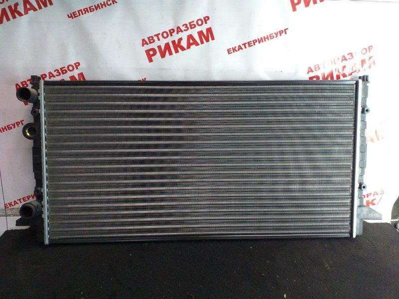 Радиатор охлаждения Volkswagen Passat B4