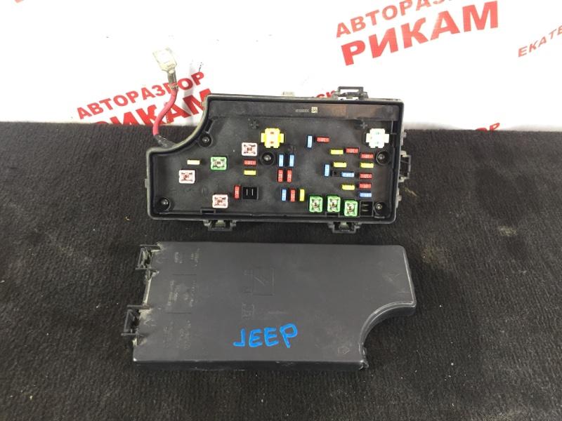 Блок предохранителей Jeep Liberty JK ED3 2008