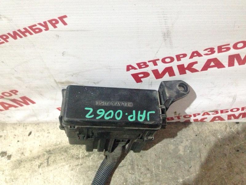 Блок предохранителей Toyota Estima ACR30 2AZ-FE