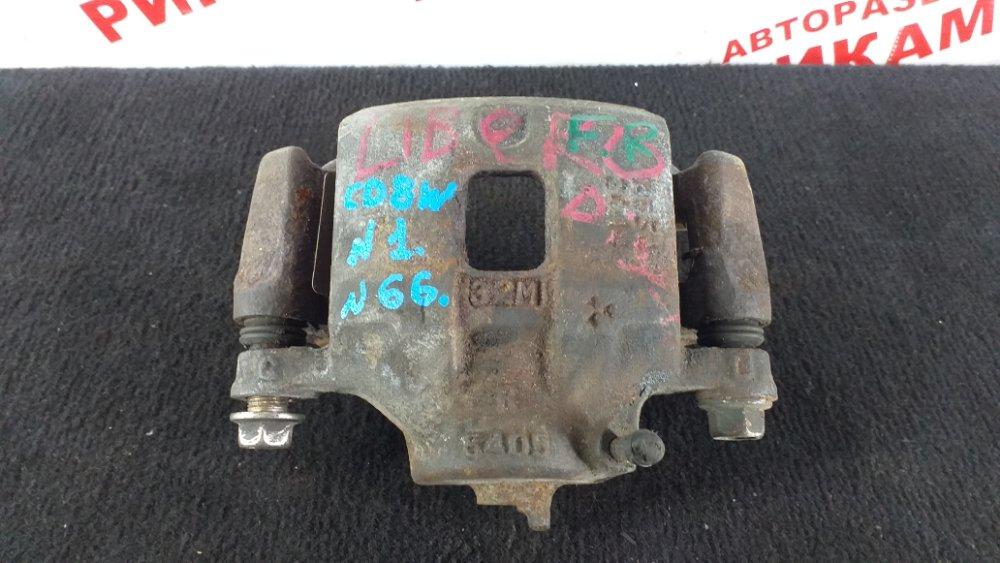 Суппорт тормозной Mitsubishi Libero CD8W передний правый