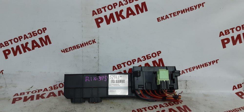 Блок предохранителей Bmw 5-Series E60 M54B25 2004