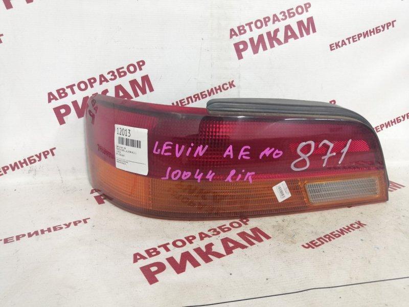Стоп-сигнал Toyota Corolla Levin AE111 задний левый