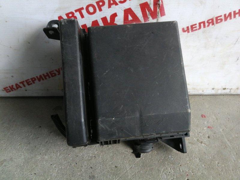 Блок предохранителей Mitsubishi Airtrek CU2W 4G63
