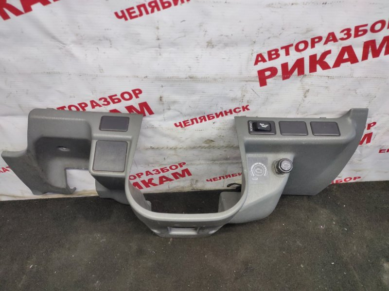 Пластик салона Mitsubishi Canter FE62EE 4M51