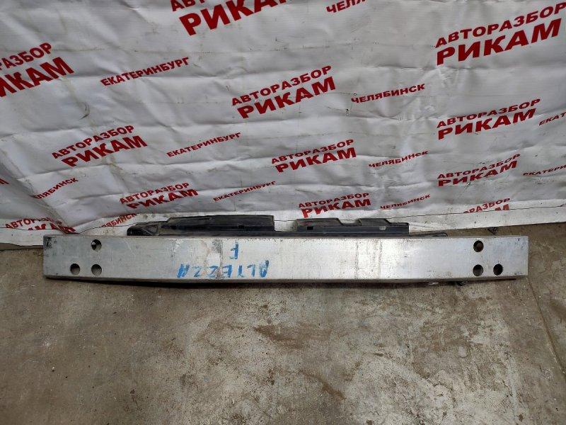 Усилитель бампера Toyota Altezza SXE10 передний