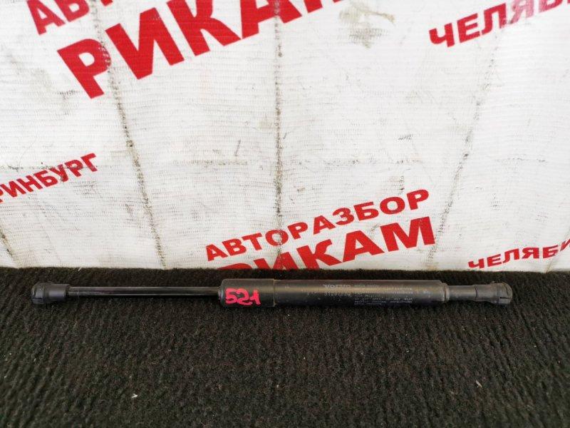 Амортизатор крышки багажника Volvo S40 MS38 B5244S4 2010
