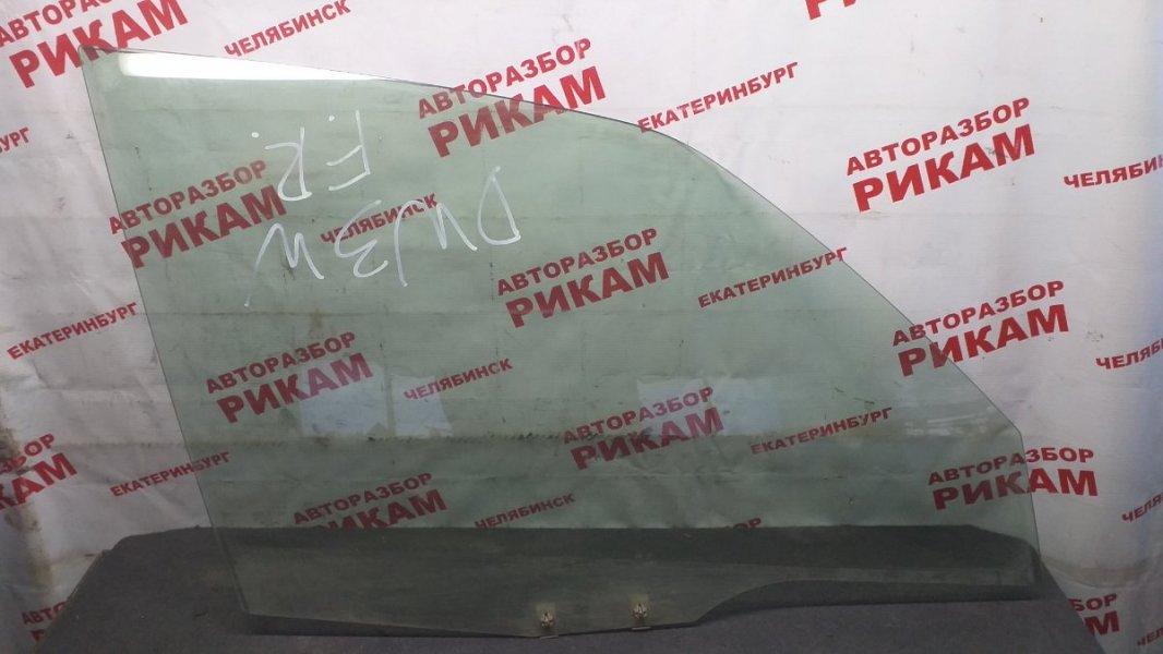 Стекло двери Mazda Demio DW3W переднее правое