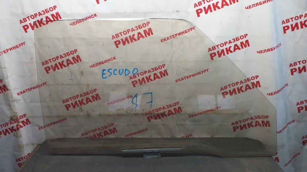 Стекло двери Suzuki Escudo переднее правое