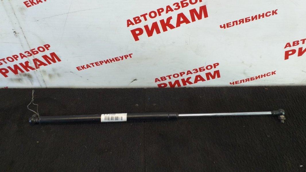 Амортизатор крышки багажника Toyota Carina Ed ST202