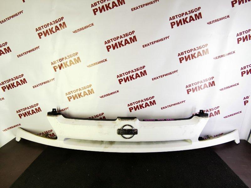 Решетка радиатора Nissan Serena PC24 SR20DE 2000