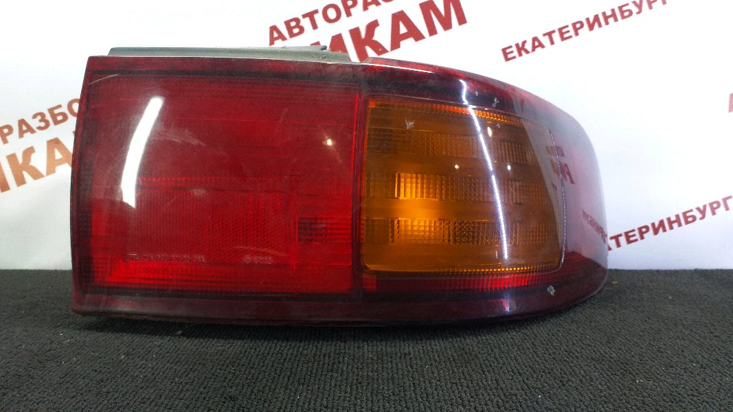 Стоп-сигнал Toyota Camry SXV10 5S-FE 1997 правый