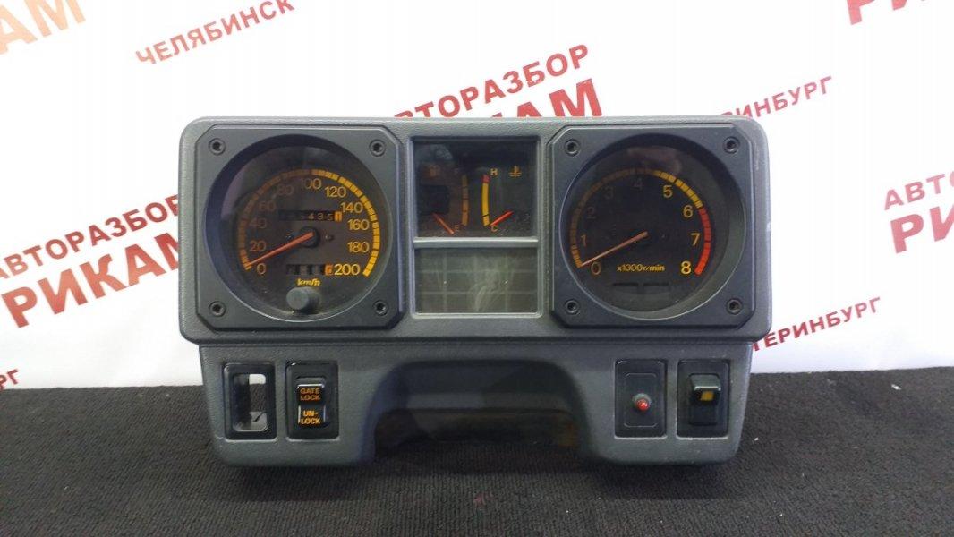 Панель приборов Mitsubishi Pajero L146GW 6G72 1990