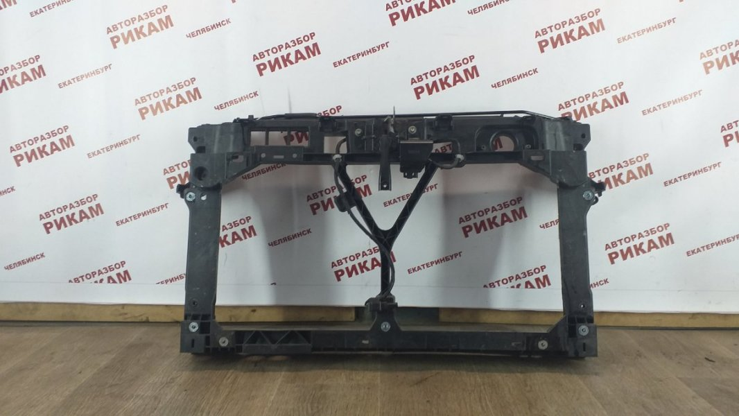 Рамка радиатора Mazda Mazda3 BL LF-VE 2010