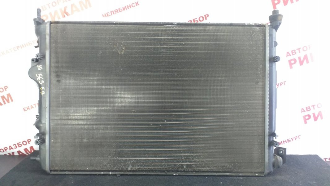 Радиатор охлаждения Renault Scenic JA13 F4R747 2003
