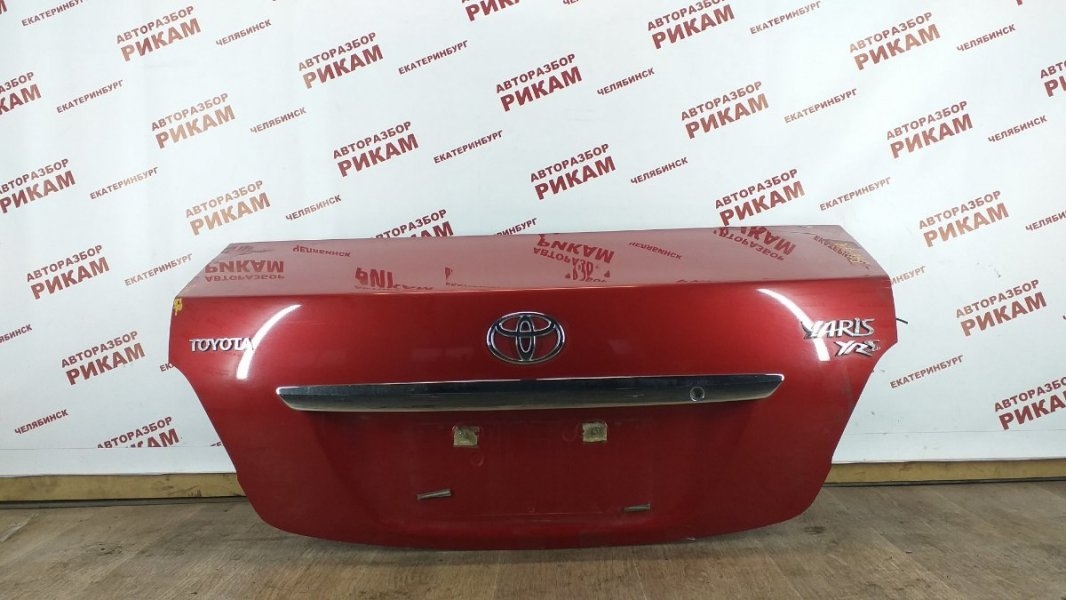 Крышка багажника Toyota Yaris NCP93 1NZ-FE 2011