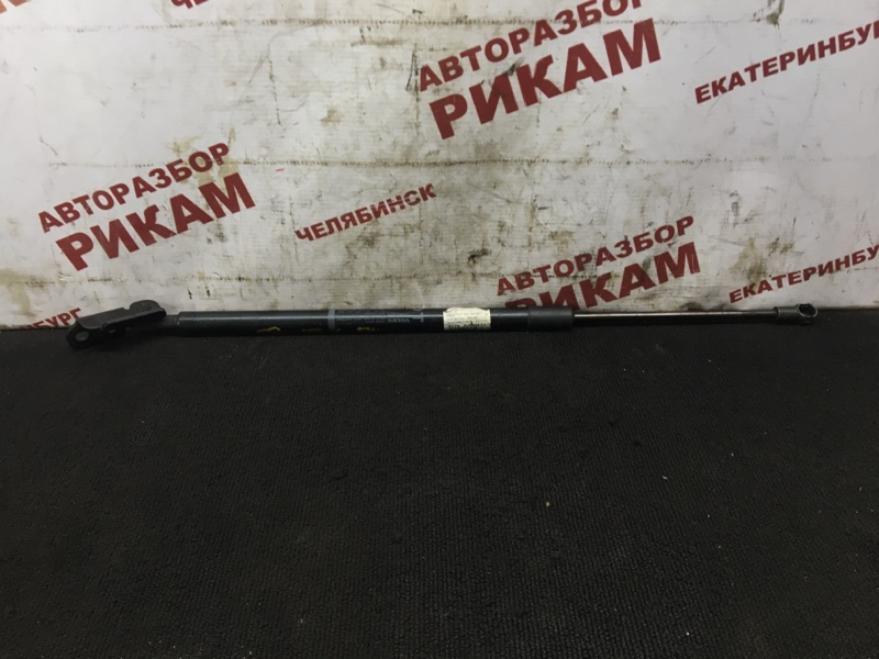 Амортизатор двери багажника Volvo Xc60 DZ70 D5244T10 2011