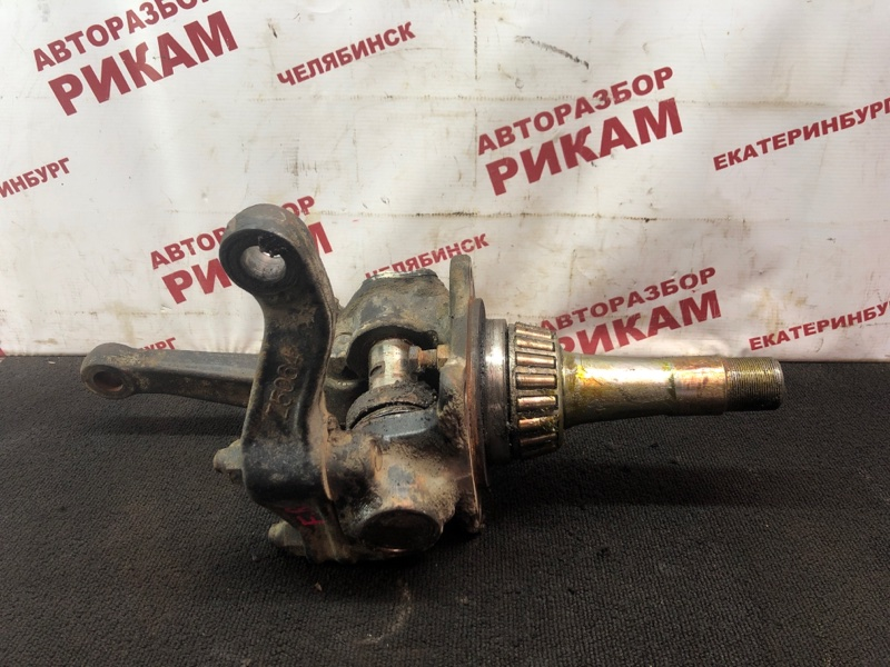 Кулак поворотный Nissan Diesel MK25A FE6 передний правый