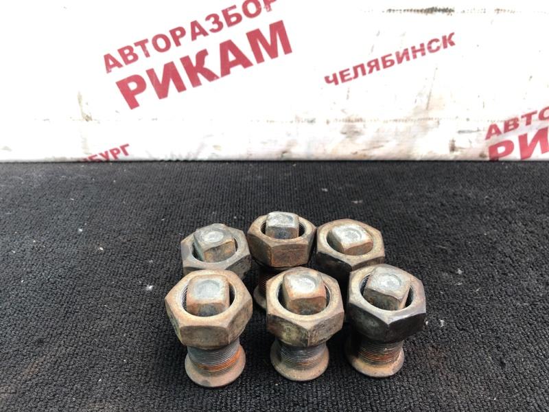 Футорка Nissan Diesel MK25A FE6 правая