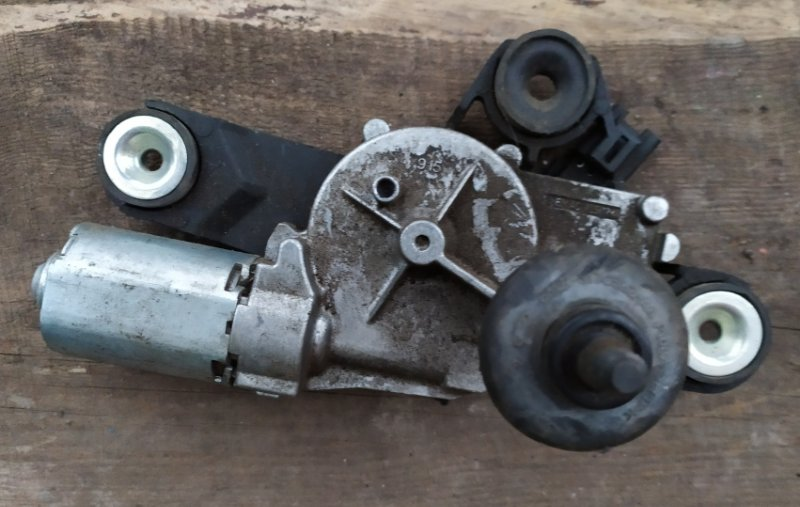 Мотор стеклоочистителя Ford Focus 2 2008-2010 1.6L 2008 задний (б/у)