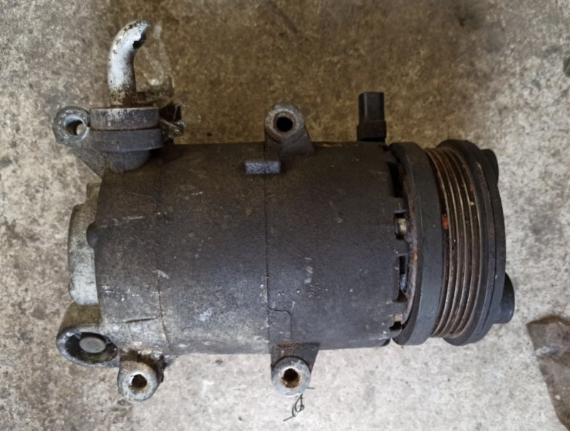 Компрессор кондиционера Ford Focus 2 2005-2007 AODA 2007 (б/у)