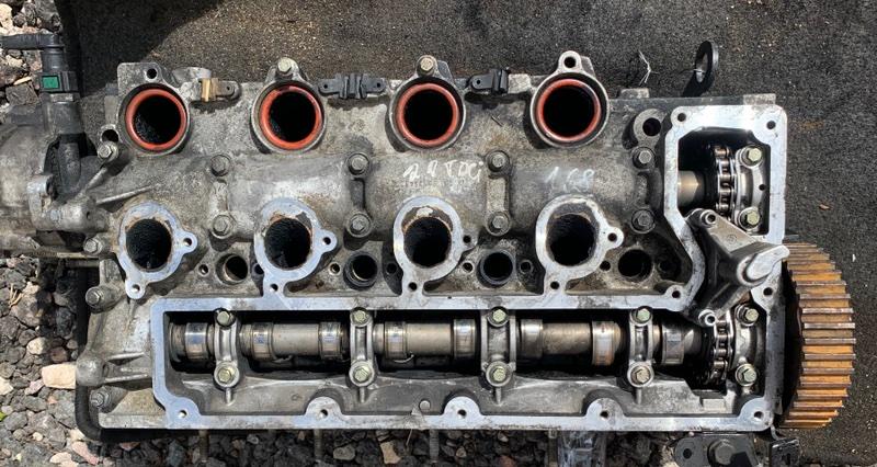 Головка блока цилиндров Ford Mondeo 4 2007-2014 2.0 TDCI 2012 (б/у)