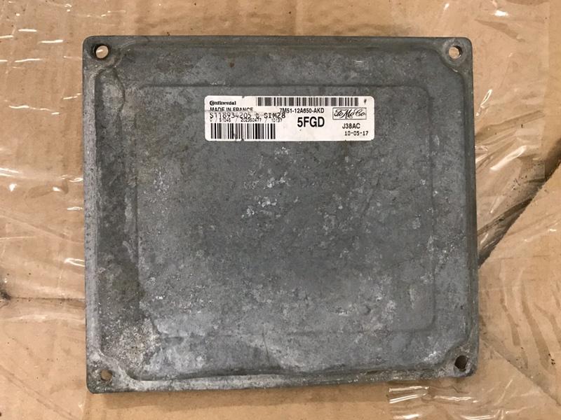Блок управления двигателем pcm Ford Focus 2 2008-2010 1.6 2010 (б/у)