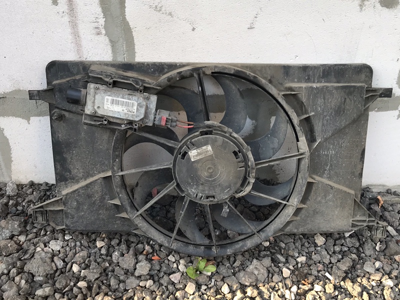 Вентилятор охлаждения Ford Focus 3 СЕДАН 1.6 2013 (б/у)