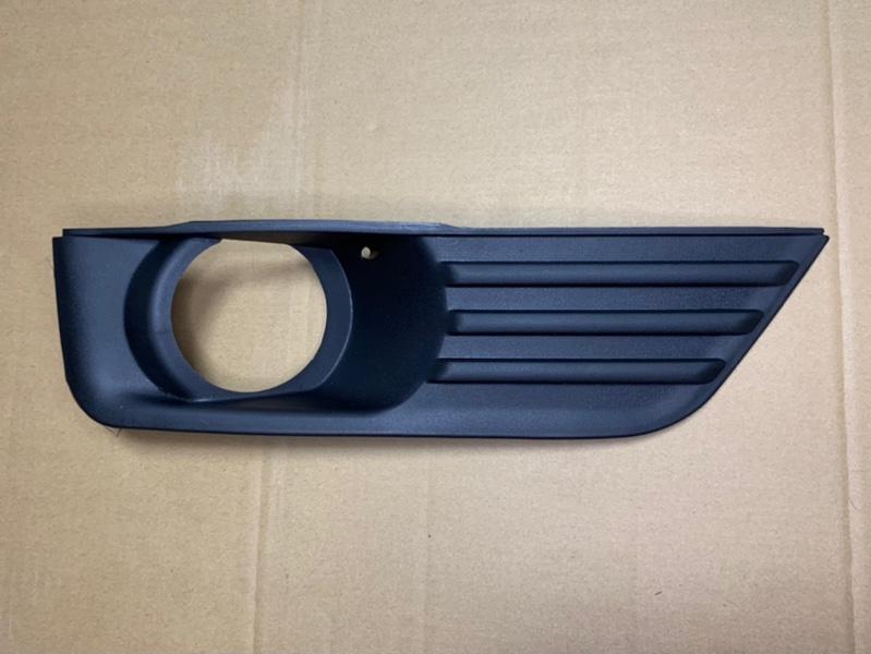 Рамка противотуманки (окантовка птф) Ford Focus 2 2005-2008 передняя правая