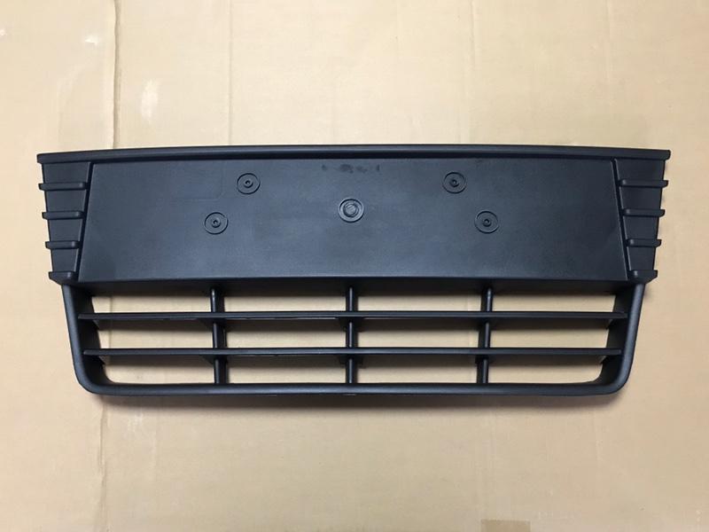 Решетка бампера Ford Focus 3 2011-2014