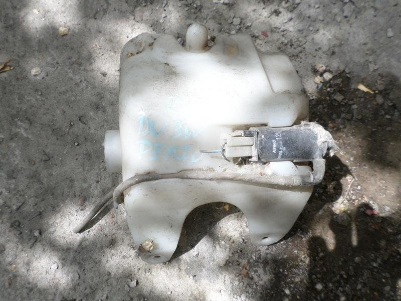 Бачок стеклоомывателя Mazda Demio DW3W (б/у)