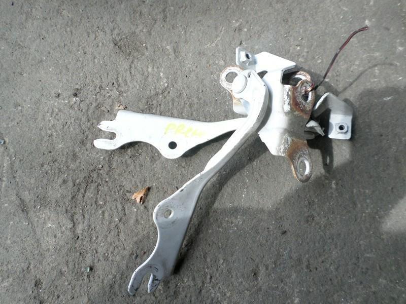 Петля капота Mazda Premacy CP8W левая (б/у)
