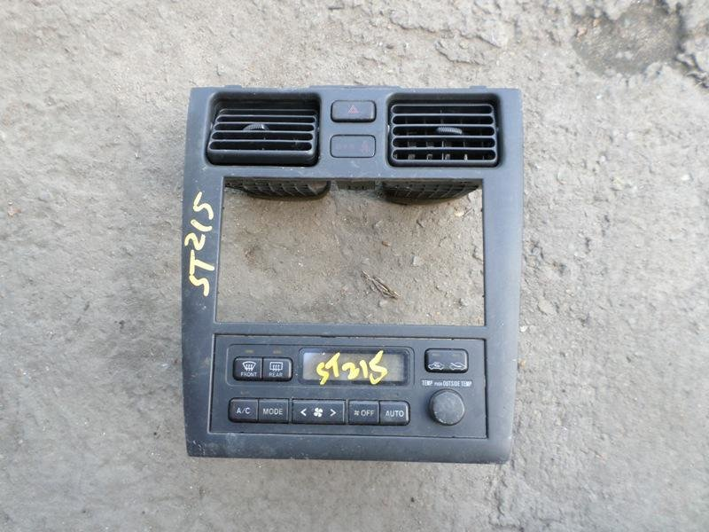 Консоль магнитофона Toyota Caldina ST215 (б/у)