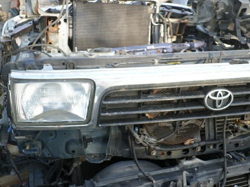 Телевизор Toyota Hilux Surf KZN130 (б/у)