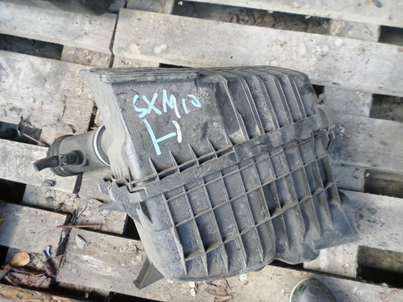 Корпус воздушного фильтра Toyota Ipsum SXM10 3SFE (б/у)