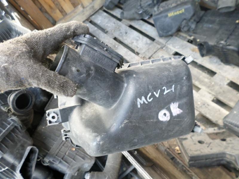 Корпус воздушного фильтра Toyota Windom MCV21 2MZ (б/у)