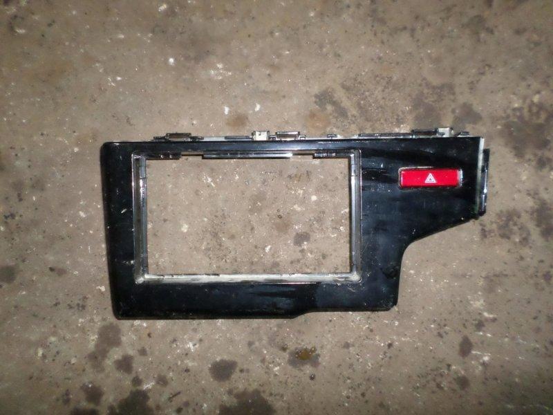Консоль магнитофона Honda Fit GP5 (б/у)