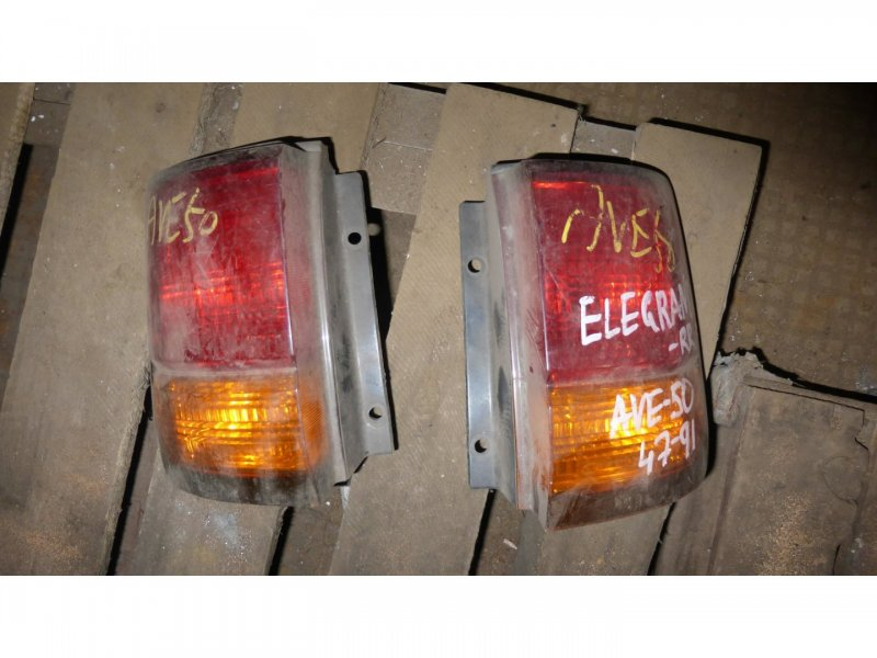 Стоп-сигнал Nissan Elgrand AVE50 левый (б/у)