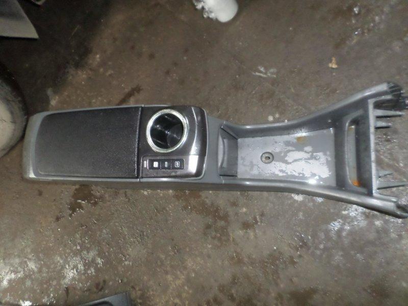 Бардачок между сиденьями Toyota Prius Alpha ZVW41 2ZR 2014 (б/у)