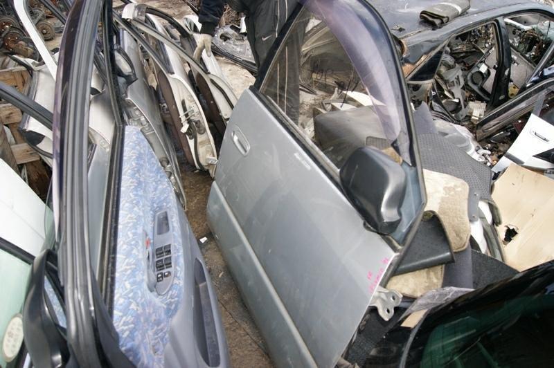 Дверь Toyota Ipsum SMX10 3S-FE передняя правая (б/у)