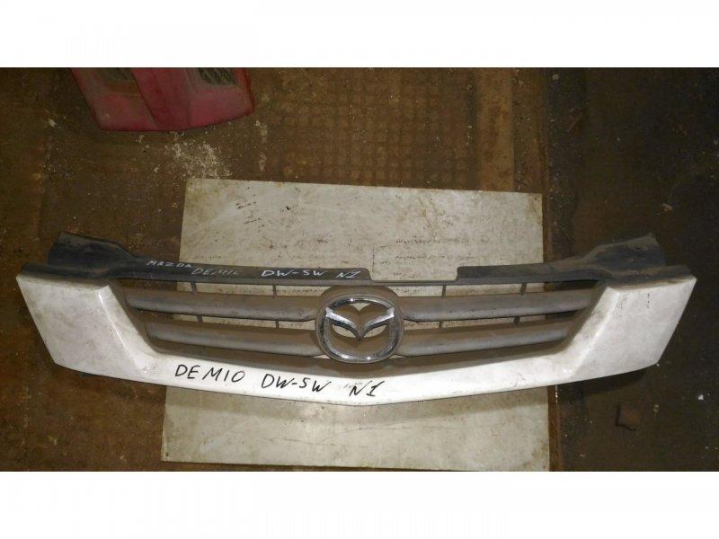 Решетка Mazda Demio DW3W передняя (б/у)