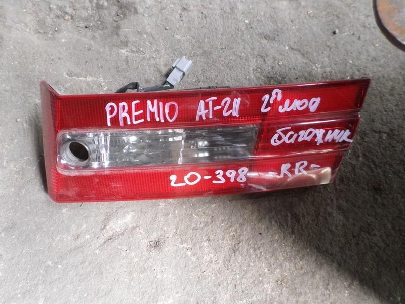 Фальшпанель Toyota Corona Premio AT211 задний правый (б/у)
