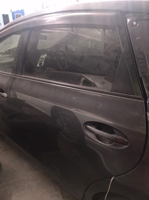 Дверь Toyota Prius Alpha ZVW41 2ZR задняя левая (б/у)