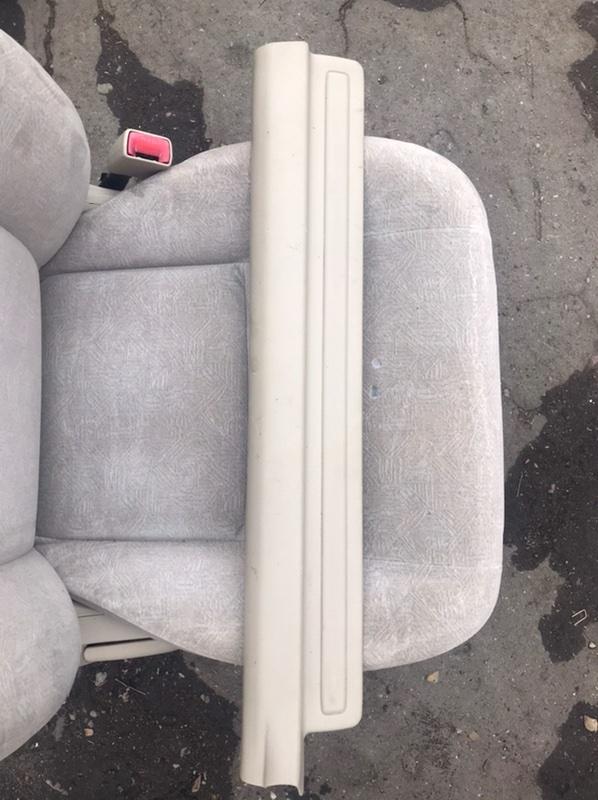 Накладка на порог салона Toyota Corolla Fielder NZE121 1NZ 2001 передняя (б/у)