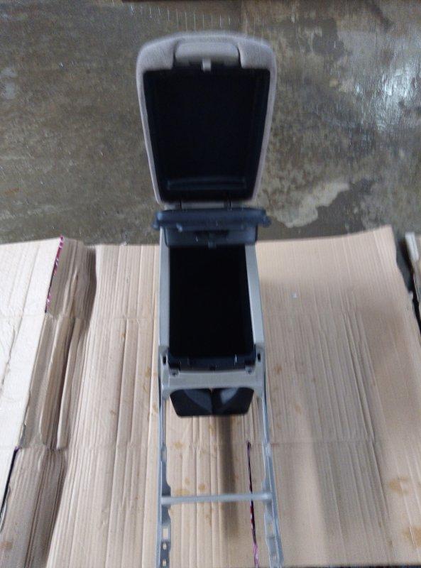 Бардачок между сиденьями Toyota Camry ACV30 2AZ (б/у)