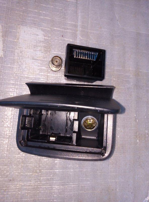 Пепельница Toyota Camry ACV30 2AZ (б/у)