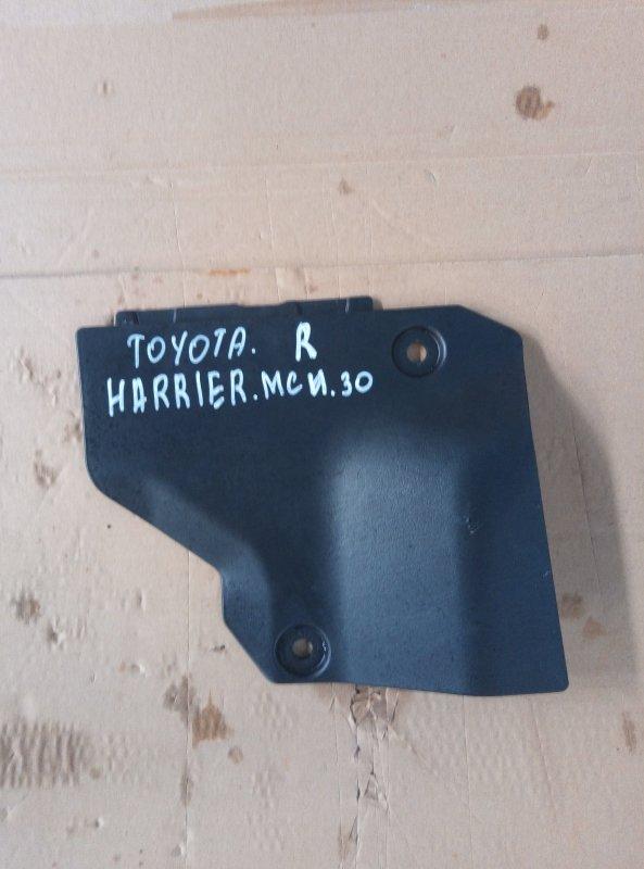 Пластик торпедо Toyota Harrier MCU30 1MZ 2005 правый нижний (б/у)